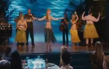 Jennifer Aniston and Nicole Kidman - Just Go with It